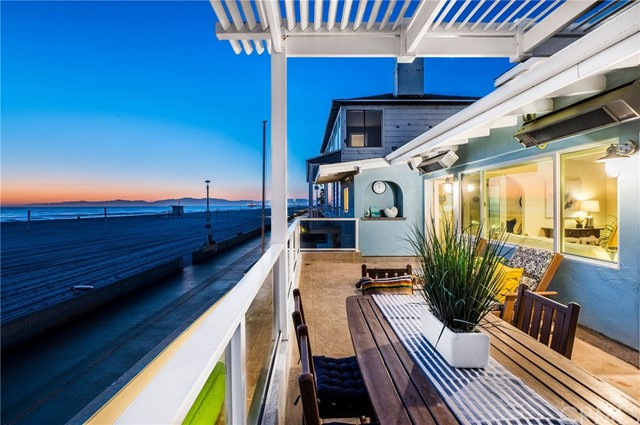 3031 The Strand, Hermosa Beach, CA 90254 photo 2