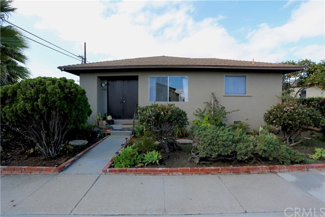 Single Family Home for Sale at 335 13th Street Seal Beach, California 90740 United States