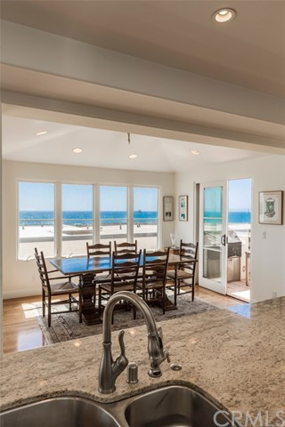 121 36th Place Manhattan Beach, CA 90266 - MLS #: SB17111614