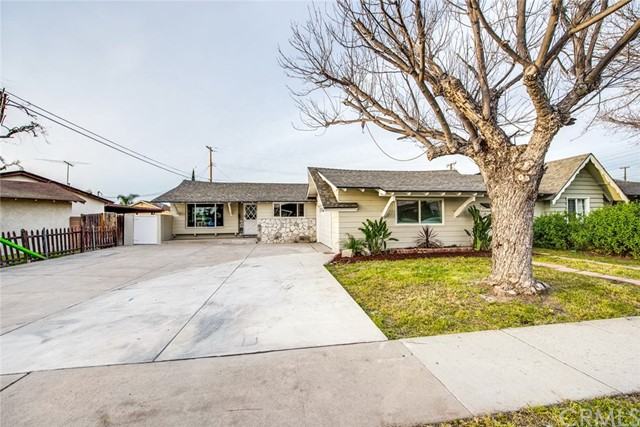 Single Family Home for Sale at 8601 Harriet Lane Stanton, California 90680 United States