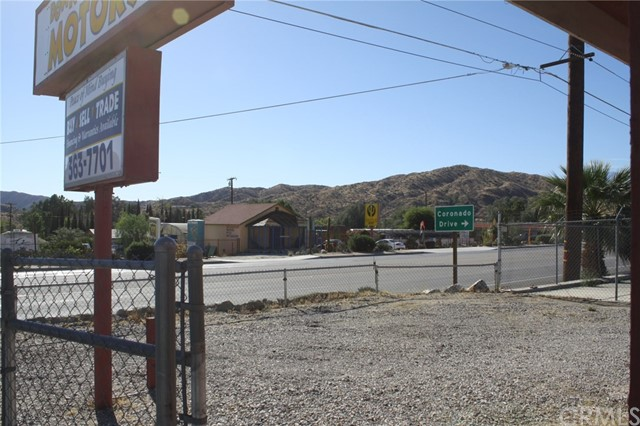 49896 29 PALMS Highway, Morongo Valley CA: http://media.crmls.org/medias/ec51d531-eb56-4916-8a90-94f68dde8159.jpg