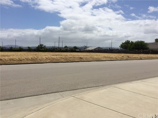 180 Cow Meadow at Ruth Way, Templeton, CA 93465