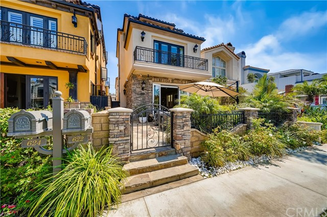 Photo of 622 13th Street, Huntington Beach, CA 92648