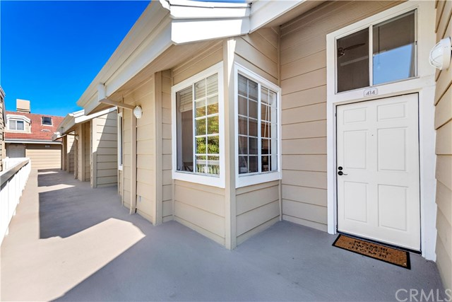 Detail Gallery Image 1 of 25 For 20331 Bluffside Cir A414, Huntington Beach, CA 92646 - 2 Beds | 2 Baths