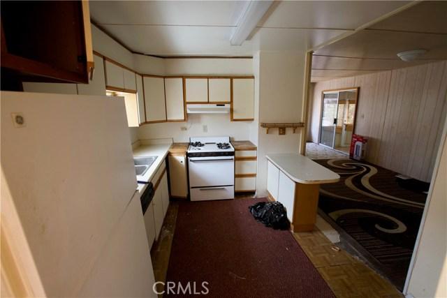 18291 Tereticornis Avenue, Lake Elsinore CA: http://media.crmls.org/medias/ec5a1cc0-fec1-4d7f-851d-e1ee32fe8a85.jpg