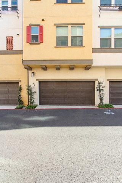 3830 W KENT Avenue, Santa Ana CA: http://media.crmls.org/medias/ec5ff7fc-715c-49b6-9999-1407608e8faa.jpg