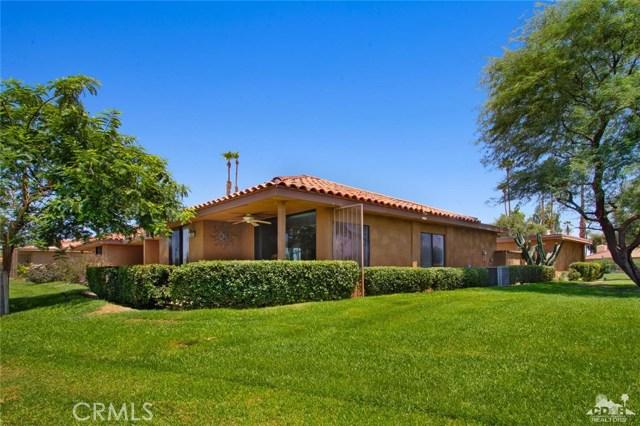 21 La Cerra Drive, Rancho Mirage CA: http://media.crmls.org/medias/ec70004f-02af-4f83-b88b-11b150f52b1d.jpg