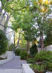 11818 Moorpark Street Unit W Studio City, CA 91604 - MLS #: CV18045232