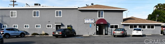 11832 Rosecrans Avenue, Norwalk CA: http://media.crmls.org/medias/ec82f84b-fbf1-4d68-883f-3175fb3381ba.jpg