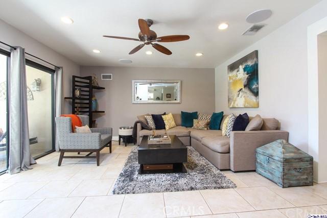 16816 San Jose Street, Granada Hills CA: http://media.crmls.org/medias/ec848681-0ef9-49ab-9bb7-c6d7cd2b2b72.jpg