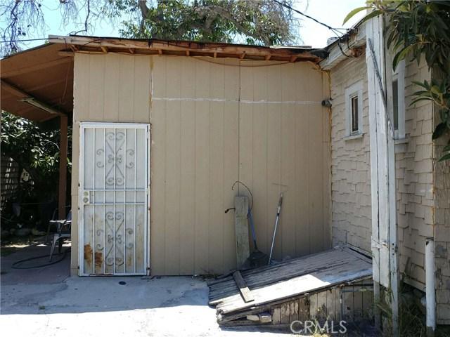 419 E 64th Street, Los Angeles CA: http://media.crmls.org/medias/ec89a799-da76-413b-9db3-4e382c61155e.jpg