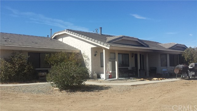 Single Family Home for Sale at 6536 Outpost Road 6536 Outpost Road Oak Hills, California 92344 United States