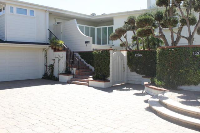 Condominium for Sale at 1209 Bayside St # 102 Corona Del Mar, California 92625 United States