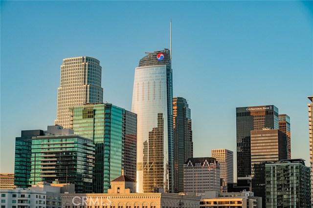 1111 S Grand Avenue, Los Angeles CA: http://media.crmls.org/medias/ec9b3340-b9a9-4200-8ad8-c7bce944615c.jpg