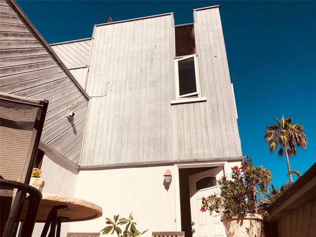 201 Diamond Avenue, Newport Beach CA: http://media.crmls.org/medias/ec9e5f63-8700-4ce2-98e2-960675c8ad91.jpg