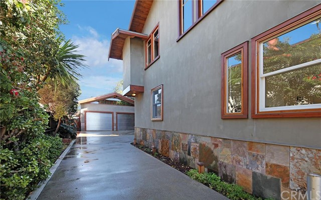 862 Catalina Laguna Beach, CA 92651 is listed for sale as MLS Listing LG16184317