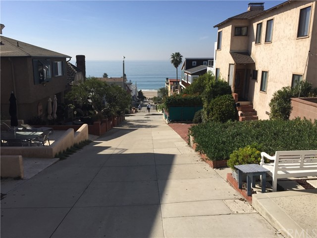 227  32nd Street, Manhattan Beach, California
