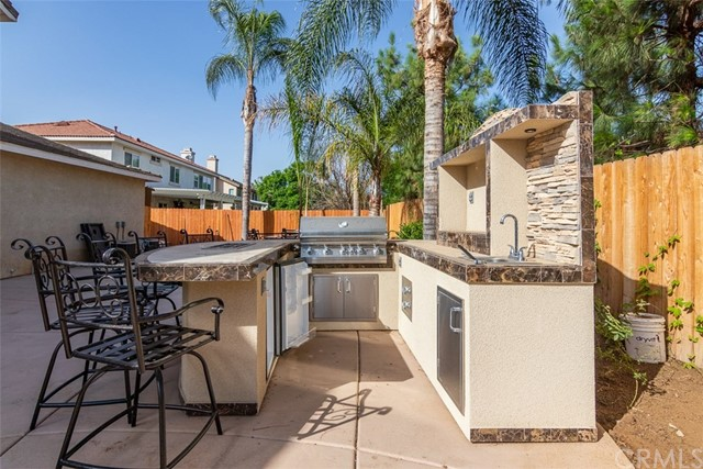 33672 Honeysuckle Lane Murrieta, CA 92563 - MLS #: SW18228696