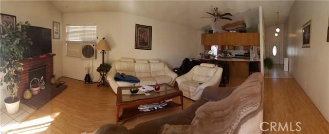 13815 Pheasant Knoll Lane, Moreno Valley CA: http://media.crmls.org/medias/eca80c34-1f95-4ac7-a03d-b5da4845a045.jpg