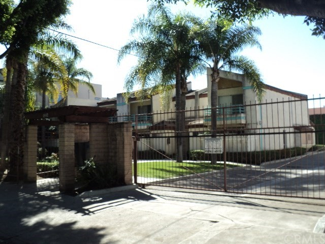 Condominium for Rent at 1552 12th Place W Los Angeles, California 90015 United States