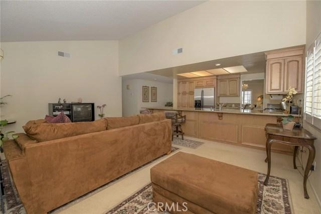 995 W 15th Street, Upland CA: http://media.crmls.org/medias/eccf8068-bd94-4d96-bbe2-69431a58a50b.jpg