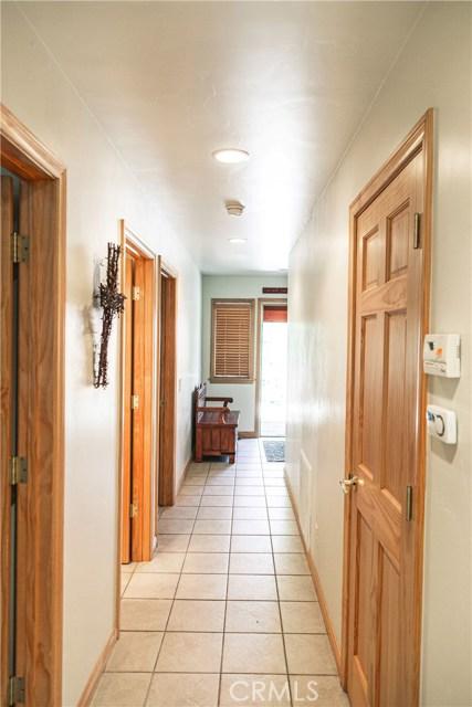 471 Woodside Drive, Big Bear CA: http://media.crmls.org/medias/ecd7f2ff-5695-4218-8467-ad75a716985f.jpg