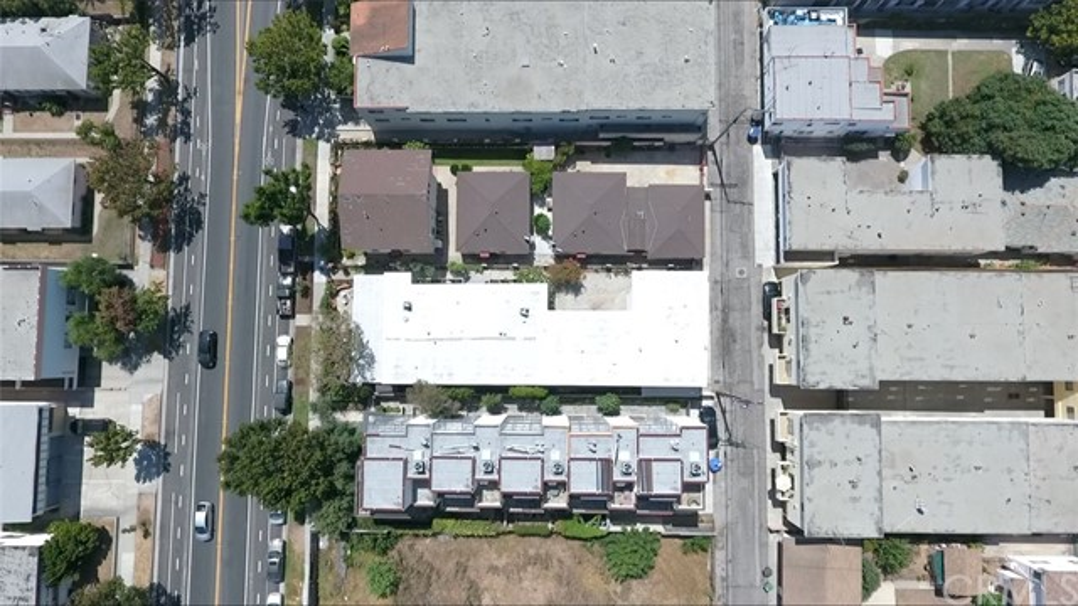 1528 11TH Street Unit A Santa Monica, CA 90401 - MLS #: CV17173992