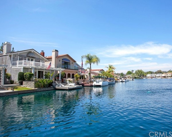 Single Family Home for Sale at 21882 Huron Lake Forest, California 92630 United States
