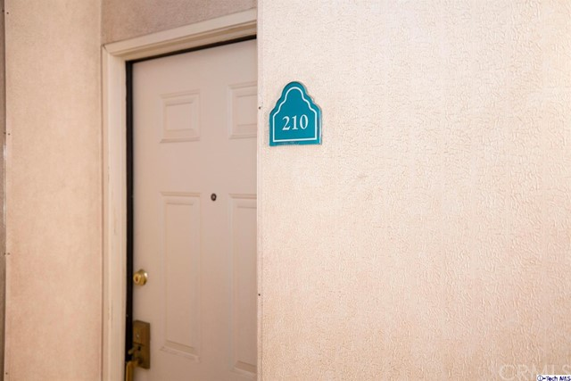 5420 Sylmar Avenue, Sherman Oaks CA: http://media.crmls.org/medias/eceb96cc-1cb6-4f74-8cb7-5de25ec7597f.jpg