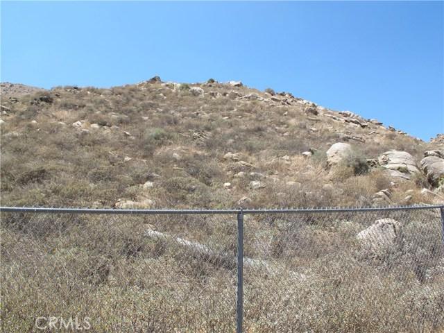 11275 Eagle Rock Road, Moreno Valley CA: http://media.crmls.org/medias/ed0a26ac-4e12-4b28-9b5a-e7250b5f0198.jpg