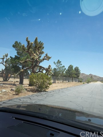 Additional photo for property listing at 9001 E Carson Street  Lucerne Valley, California 92356 United States