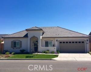1332 W Darien Way, Santa Maria, CA 09358