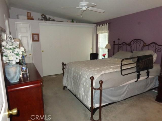1251 E Lugonia Avenue, Redlands CA: http://media.crmls.org/medias/ed1d7d5b-26da-43e4-b3e0-1b65c5b4839b.jpg