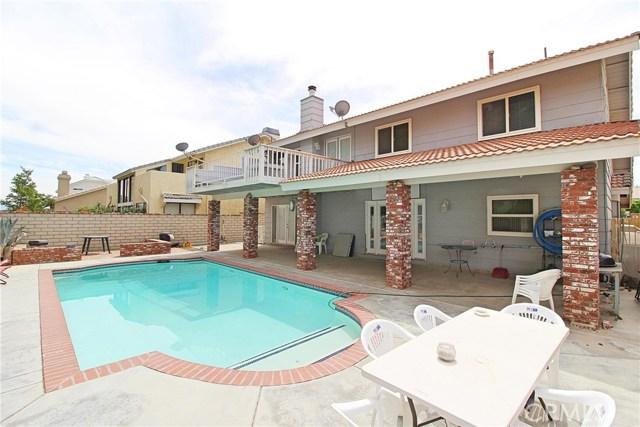 13385 Alta Vista Drive, Victorville CA: http://media.crmls.org/medias/ed23c973-1938-4b0c-8770-6a43f03827fb.jpg