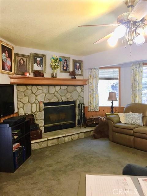 715 COMMUNITY Lake Arrowhead, CA 92407 - MLS #: DW18064464