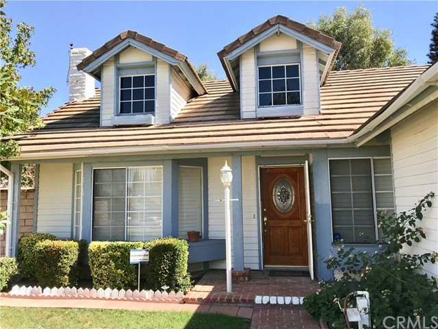 Photo of home for sale at 2107 Woodlawn Drive, Corona CA