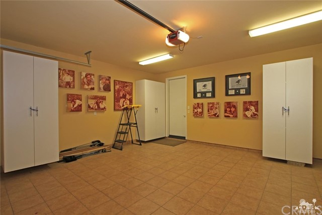 46180 Cypress Estates Court, Palm Desert CA: http://media.crmls.org/medias/ed525615-760d-4689-b059-f45e04b68668.jpg