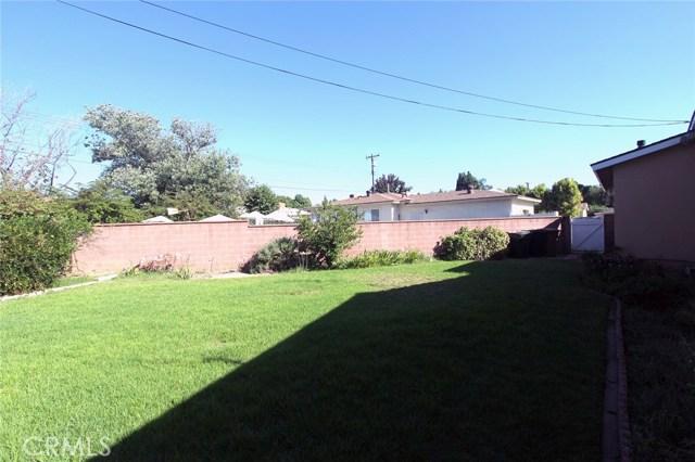 1543 E Brookdale Place, Fullerton CA: http://media.crmls.org/medias/ed58a8b8-cf89-41e3-a401-74de63b7129b.jpg