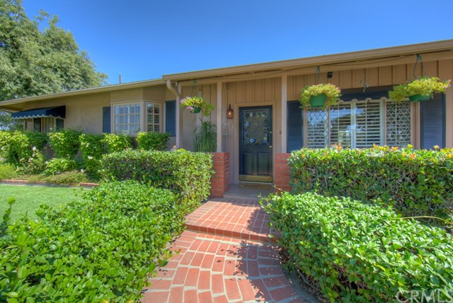 5102 E Pageantry Street, Long Beach CA: http://media.crmls.org/medias/ed6bee1c-7c37-4ab4-aa34-4c6d591cfaa8.jpg