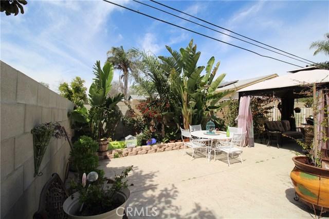 800 San Carlo Avenue, San Bernardino CA: http://media.crmls.org/medias/ed6f9c14-3140-4eab-84ab-37c1f4ec531e.jpg