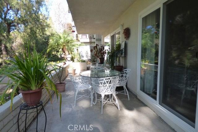 630 Avenida Sevilla, Laguna Woods CA: http://media.crmls.org/medias/ed8b6035-a60d-4979-876d-68ace79bf854.jpg