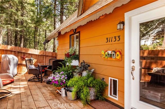31133 All View Drive, Running Springs CA: http://media.crmls.org/medias/ed8e4122-c552-44df-a0ab-a142aae69b96.jpg