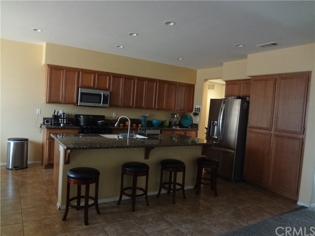10983 San Onofre Drive Victorville, CA 92392 - MLS #: SW17235899