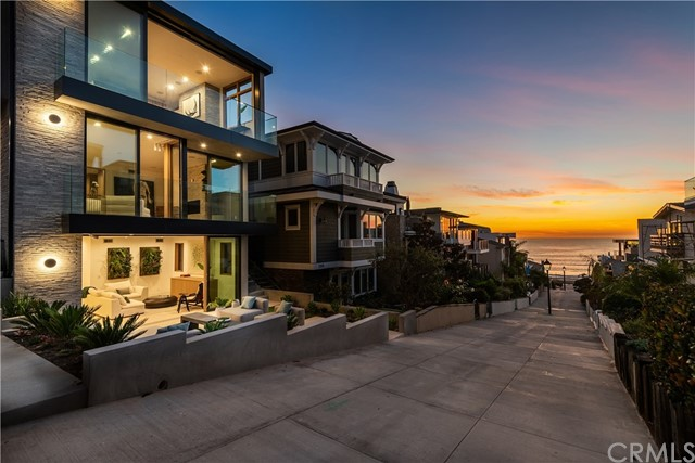 212  16th Street, Manhattan Beach, California