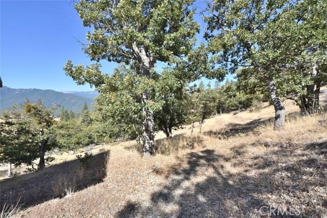 9924 Quartz Valley Road, Fort Jones CA: http://media.crmls.org/medias/eda7fbe2-f9f1-45b9-a5c4-546b9842d296.jpg