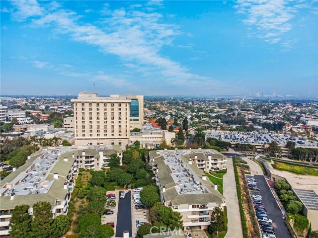 280 Cagney Lane, Newport Beach CA: http://media.crmls.org/medias/edba686c-d012-408f-b245-9dcc5cfc1924.jpg
