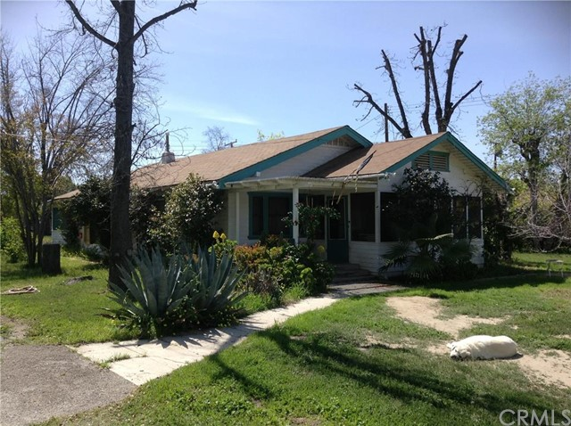 1875 E Devonshire Avenue Hemet, CA 92544 is listed for sale as MLS Listing SW16056687