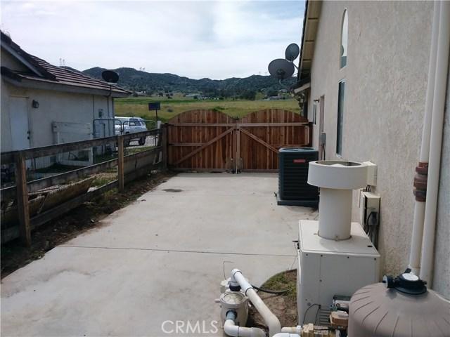 31382 Montgomery Avenue, Nuevo/Lakeview CA: http://media.crmls.org/medias/edcbe981-85d7-4e0f-893c-be74e38de168.jpg
