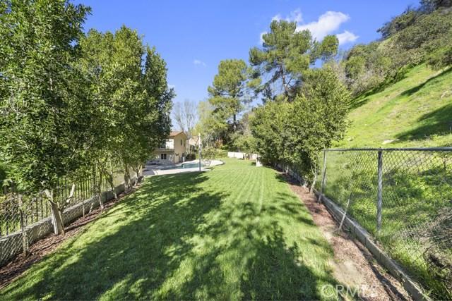 14811 Jadestone Drive, Sherman Oaks CA: http://media.crmls.org/medias/edd25307-513f-40fc-910d-fc97876a5220.jpg