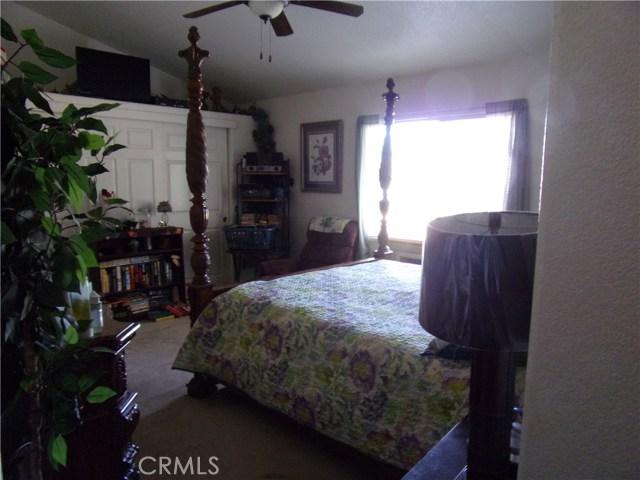 801 W Country Club Boulevard, Big Bear CA: http://media.crmls.org/medias/edde4545-b039-42b1-a8ad-635ec2643a2a.jpg